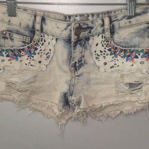 Karma Blue light wash shorts | size 4
